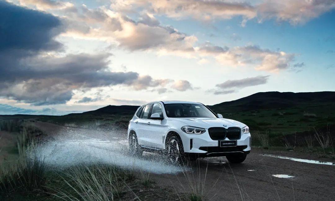 BMW iX3:令人信赖的现在与值得期待的未来